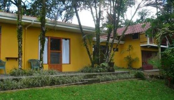 Pleasant House in Beautiful Tropical Garden, Lake View