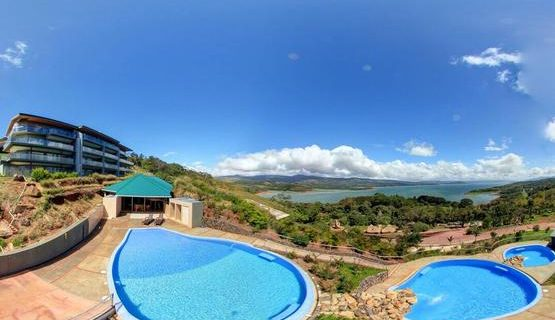 Condo in Upscale Complex, Lake & Volcano View